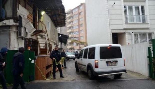 Otopark işletmecisi evinde ölü bulundu