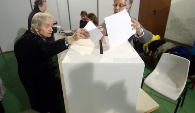 """""""Yasaklı halk oylaması"""" başladı"""