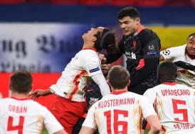 """Liverpool'da, Ozan Kabak, """"maçın adamı"""" seçildi"""