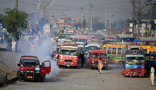 Pakistanda militanlara operasyon: 25 ölü
