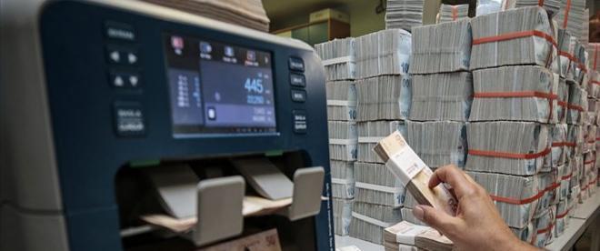 BDDKdan döviz manipülasyonu yapan 3 bankaya işlem yasağı