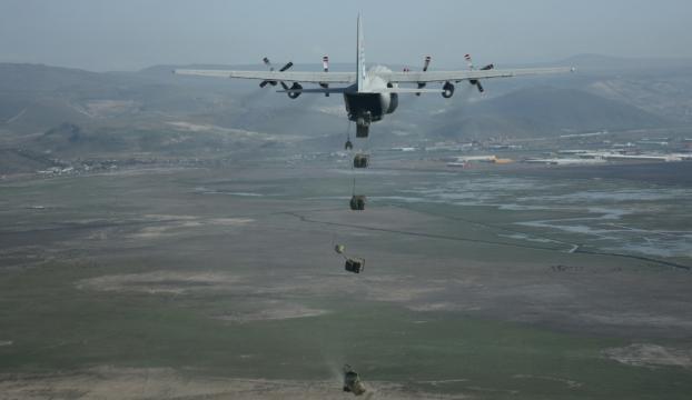 Paraşütçü komandolardan hazırız mesajı