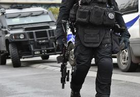 Paris'te protestoculara şafak operasyonu