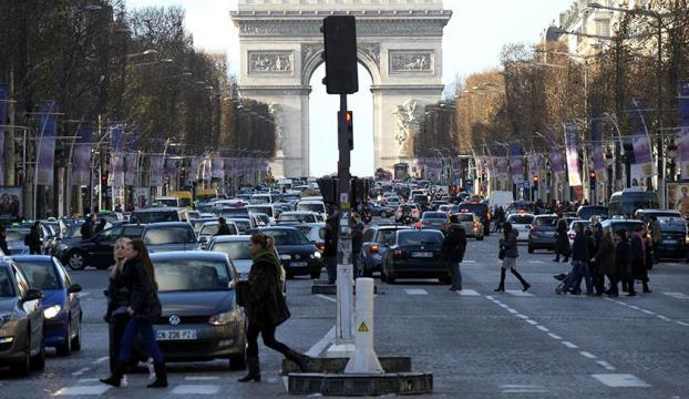 Pariste terör alarmı!