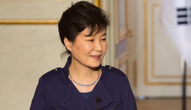 Güney Korede eski Devlet Başkanı Park tutuklandı