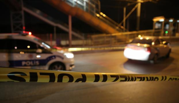 Adanada polis ekibine ateş açıldı