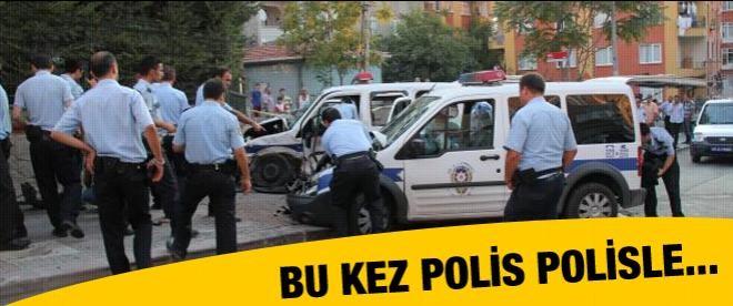 Polis araçları kafa kafaya çarpıştı