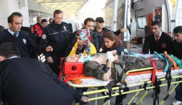 Polisleri taşıyan araç takla attı: 3 yaralı