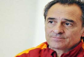 Teknik direktör Prandelli, Fiorentina'daki görevinden ayrıldı