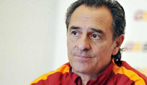 Teknik direktör Prandelli, Fiorentinadaki görevinden ayrıldı