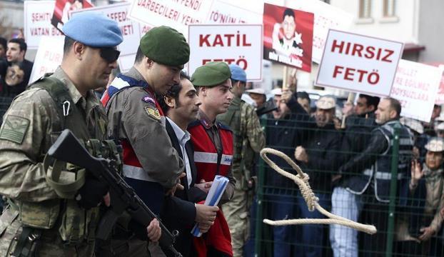 Şehit Halisdemir davası öncesi sanıklar protesto edildi
