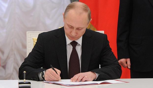 Putin Türkiyeye kısıtlamaları iptal eden kararnameyi imzaladı