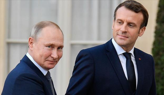 Putin ve Macron telefonda Belarusu görüştü