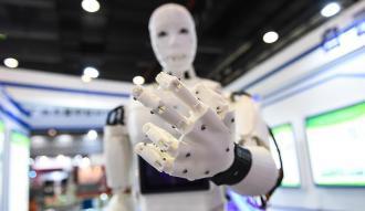 Enerjisini kablosuz manyetik alandan sağlayan esnek robotlar geliştirildi