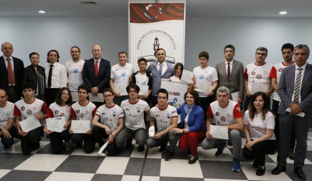 Robot olimpiyatında Türkiyeyi temsil edecekler