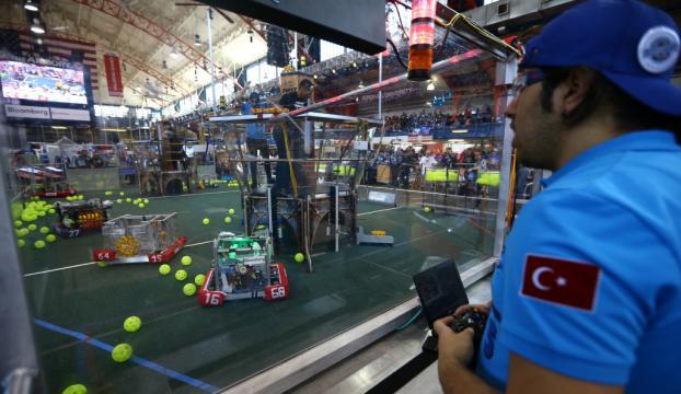 Gültepe öğrencileri ABDde robot yarışında ödül aldı!