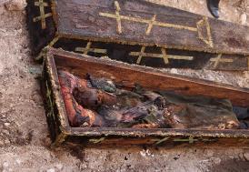 Asırlık cesedin kılıcının kaybolması iddiasına yalanlama geldi