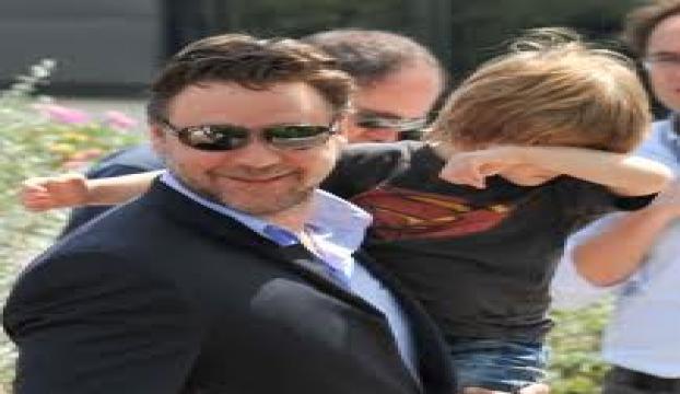 Ünlü aktör Russell Crowe: Geliboluda bir ulusu işgal ettik