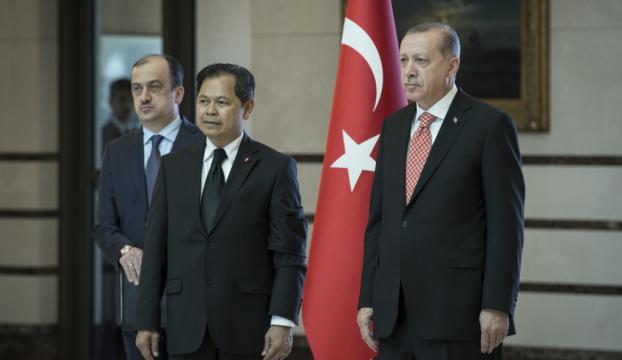 Erdoğan, Tayland Büyükelçisi Chirapantı kabul etti
