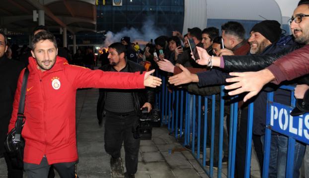 Galatasaraya Erzincanda coşkulu karşılama