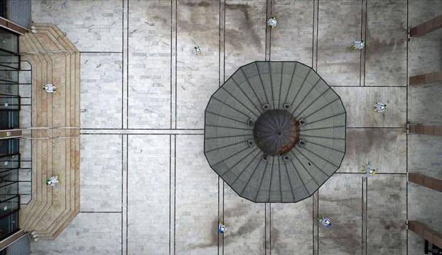 """""""Osmanlı Payitahtı""""nı süsleyen camilerde yeniden cemaatle ibadet hazırlığı"""