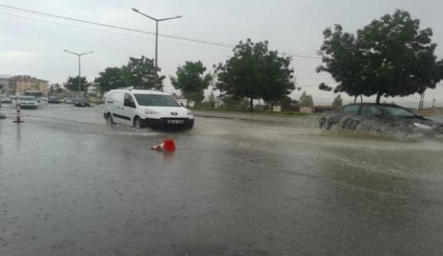 Edirnede etkili sağanak yağış