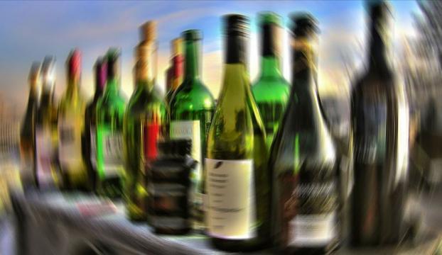 Metil alkol zehirlenmesi şüphesiyle 6 günde 45 kişi yaşamını yitirdi