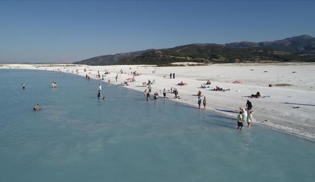 Salda Gölünde ziyaretçi sayısının bir milyonu aşması bekleniyor