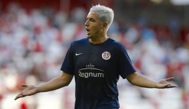 UEFAdan Nasriye 6 ay futboldan men cezası