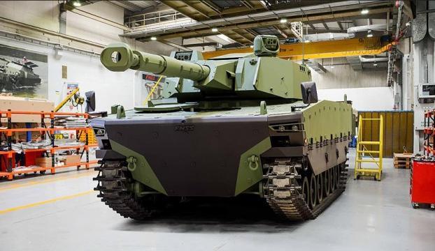 IDEFte yeni bir tank doğdu
