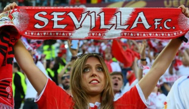 Sevilla, Vitolonun sözleşmesini yeniledi