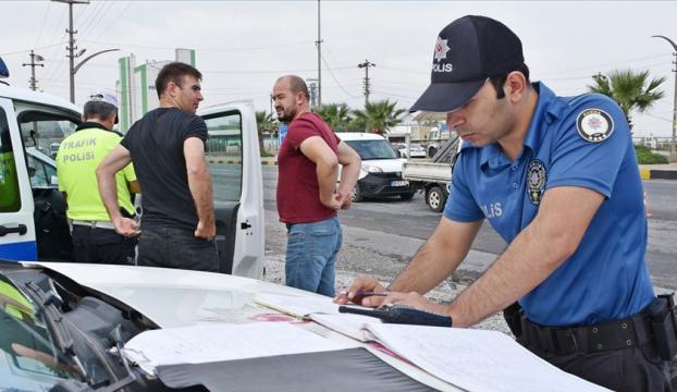 Araçta sigara içen 5 bin sürücüye ceza