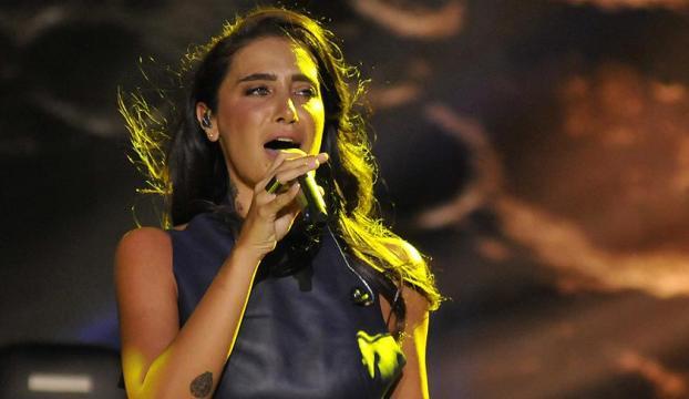 Şarkıcı Sıla trafik kazası geçirdi