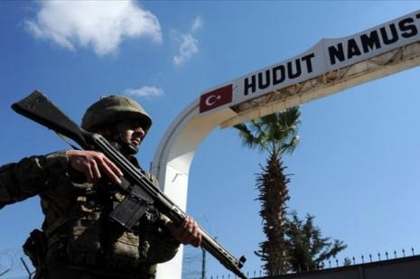 Suriye'den yasa dışı yollarla Türkiye'ye girmeye çalışan 11 kişi yakalandı