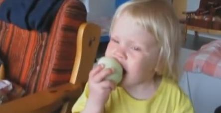 Elma yer gibi soğan yiyor