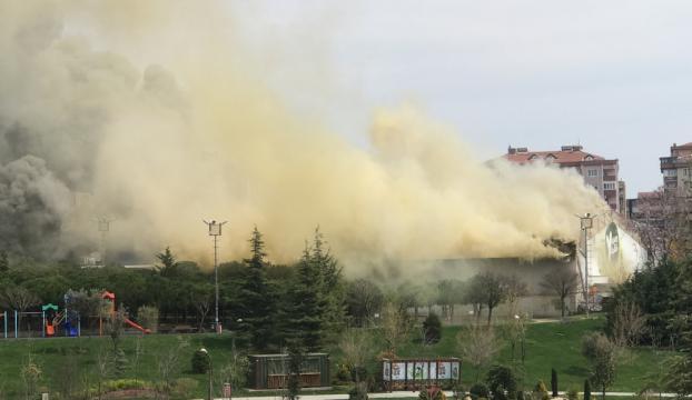 Beylikdüzünde özel sosyal tesiste yangın