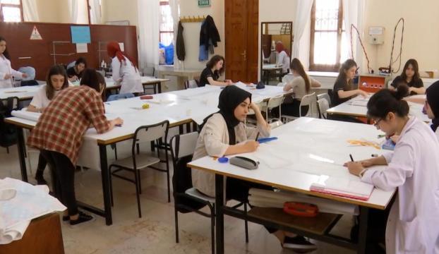Türkiyenin moda ve çocuk gelişimine hizmet edecek gençler bu okulda yetişiyor