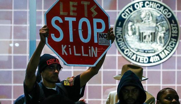 Chicagoda polis şiddeti protesto edildi