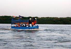 Sudan'da tekne battı: 22'si öğrenci 23 kişi ölü