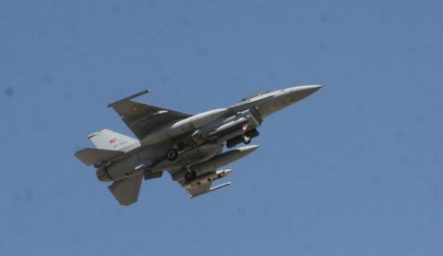 """F-16lar """"Süleyman Şah"""" için havalandı!"""