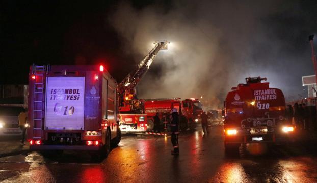 Sultangazide depo yangını