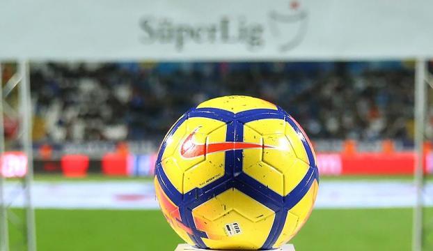 Galatasaray - Kasımpaşa maçının saati değişti