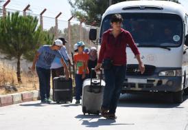 """Suriyelilere """"yol izin belgesi"""" şartı"""