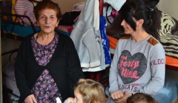 Süryani mülteciler kiliseye sığındı