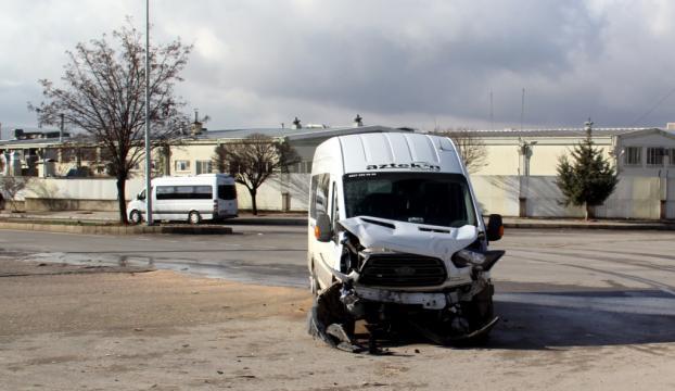 Gaziantepte işçi servisleri çarpıştı: 20 yaralı