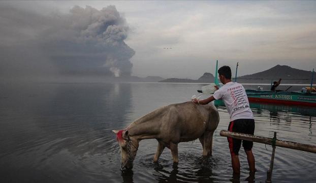 Filipinlerdeki Taal Yanardağında ikinci patlama