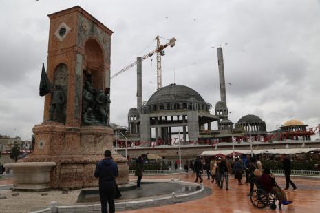 """""""Taksim'deki caminin betonarmesi bitti, ince işçilik başladı"""""""