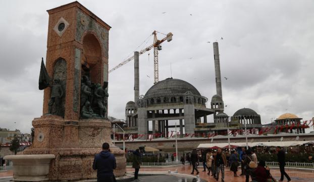 """""""Taksimdeki caminin betonarmesi bitti, ince işçilik başladı"""""""