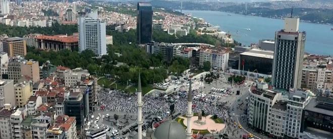 Taksime yapılan cami kılınan cuma namazıyla ibadete açıldı