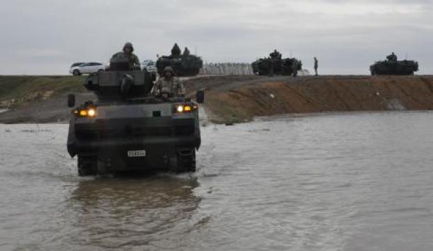 Tanklar Meriçi geçti